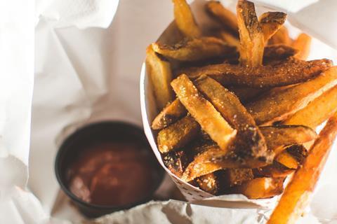 Chips salt ketchup