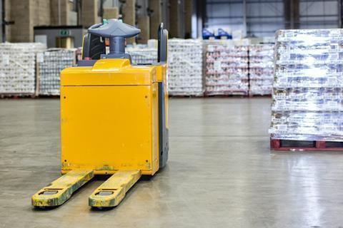 pallets stock warehouse
