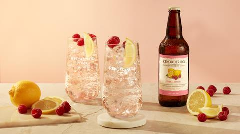 Pink Lemon lifestyle