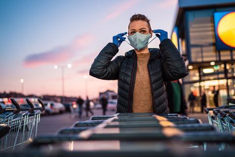 face mask coronavirus shopper