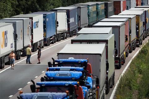 Dover-lorries